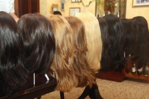 Какие волосы подходят для изготовления качественных париков?