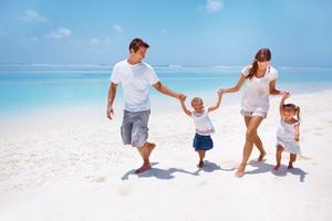 Как организовать отдых с ребенком на море?