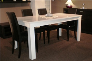 Как выбрать и купить большой обеденный стол