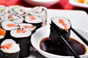 Как едят суши в Тюмени