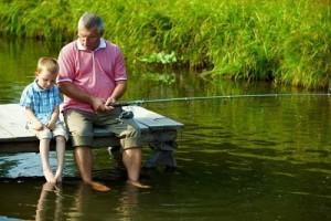 На рыбалку с детьми.