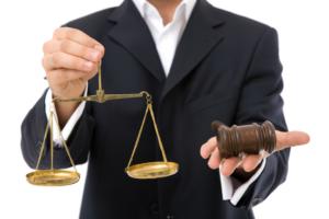Какими качествами должен обладать адвокат?